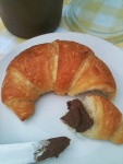 NutriSue - croissant with chocolate hazelnut spread