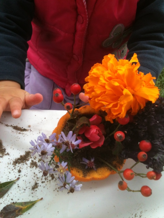 NutriSue - pumpkin centrepieces with the kids