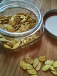 NutriSue - curried pumpkin seeds