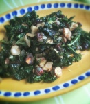 NutriSue - kale with hazelnuts and cranberries