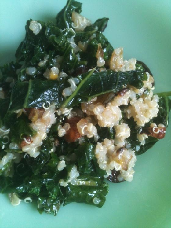 NutriSue - kale, hazelnut and cranberry salad